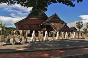 Istana Tamalate. Pendopo Kerajaan Gowa. sayang sekarang kondisinya mulai ga bagus.