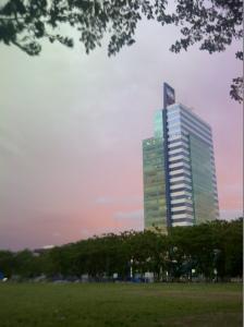 pemandangan kantor saya dari lokasi jogging track. no filter needed!!