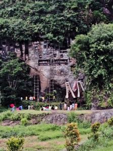 Lemo, Kuburan batu tua di Toraja.