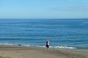 somewhere around Sikka. kayanya di sana masih banyak pantai yang ga ada namanya, suka-suka kita aja namain apa. hahaha.