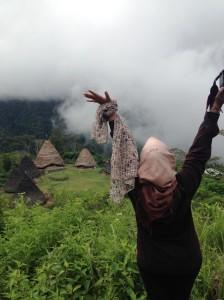 Akhirnya, Mas Katon Bagaskara, saya tau bagaimana rasanya nyanyi Negeri di Awan :)